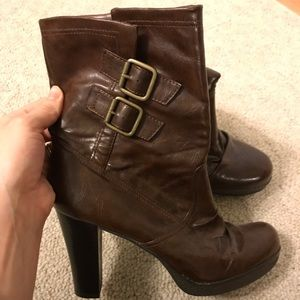 Shoes - Brown Heeled Boots Size 7.5 Like New!